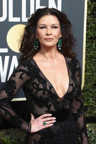 Catherine-Zeta-Jones_-2018-Golden-Globe-Awards--06-662x993