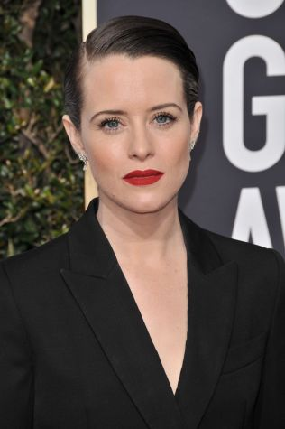 claire-foy-golden-globe-awards-2018-8