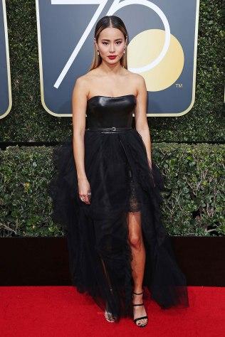 Jamie-Chung-Golden-Globes-2018-Red-Carpet-11