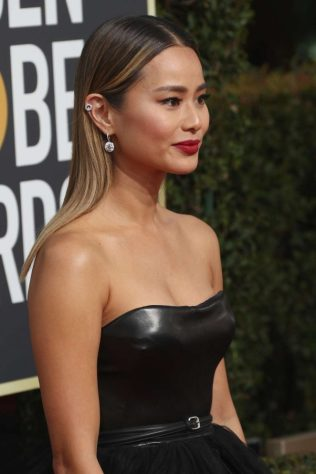 Jamie-Chung_-2018-Golden-Globe-Awards--04-662x993