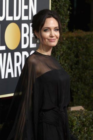 Jennifer-Aniston-Angelina-Jolie-2018-Golden-Globes